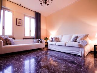 Classy Porta Romana Apartment