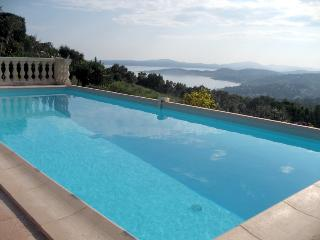 Luxury Villa, private pool, magnificent views, gym, Ste-Maxime