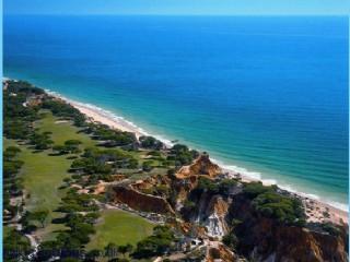Nearby beaches: Falesia & Vilamoura as well as 9 hole golf courses: Balaia & Pine Cliffs