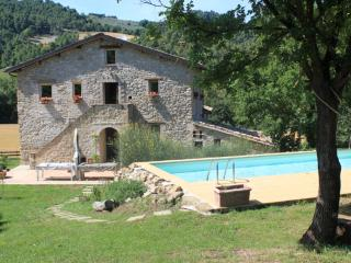 17th century amazing stone Umbrian farmhouse