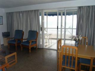 Beach front - 3 bedroom apt, Benidorm