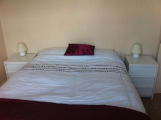 Main Bedroom with Double Bed and TV in room