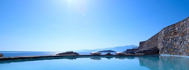 Private Pool - Sea View
