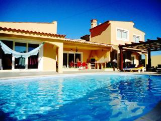 Canelas - 4 bed villa w/ pool, Mexilhoeira Grande