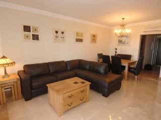 Luxurious 3 Bed Apartment, Isla Canela