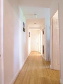 20ft Hallway