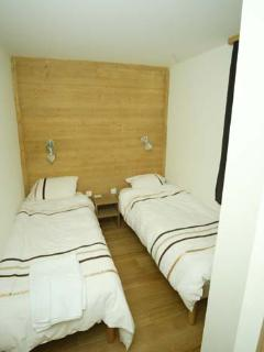 Arpalles : Twin bedroom 2