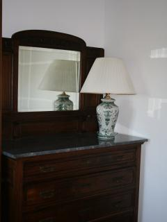 Authentic antique furniture for a stay of class