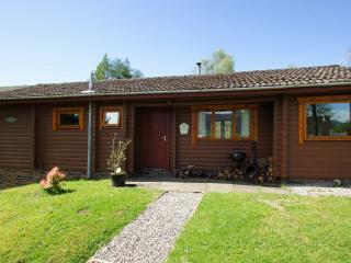Glen Ogle Lodge, log cabin in Lochearnhead