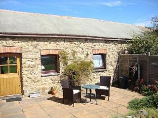 Perfect for couples, Swallows Cottage - 23225, Solva