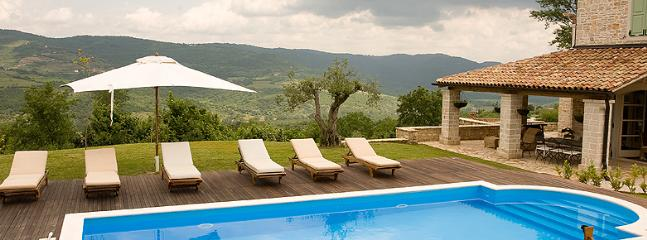 50 ft Private pool with amazing views across the Mina valley
