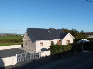 Brand new holiday cottage, just a 5 minute walk from Aberdaron beach