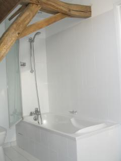 Bedroom 2 En suite bath with shower over
