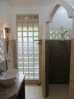 Moroccan house - bathroom