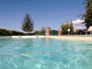 piscina con vista bellissima anzi stupenda