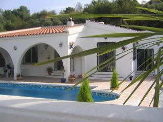 come and enjoy the peace and tranquility of Casa Eleni a great opportunity to relax and unwind