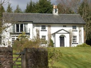 Strathendrick House, Large country cottage, enormous private garden with river.