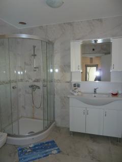 Bathroom (2 x )
