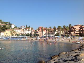 Ampio bilocale sulla spiaggia, San Lorenzo al Mare