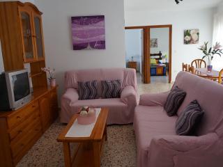 Piso 3 dormitorios calle típica, cerca de la playa, Nerja
