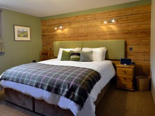 Cow Shed Bedroom with super kingsize or twin beds