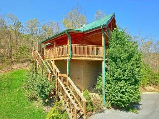 Smoky Mountain Cabin in Wears Valley HEAVENLY HIDEAWAY 256, Sevierville