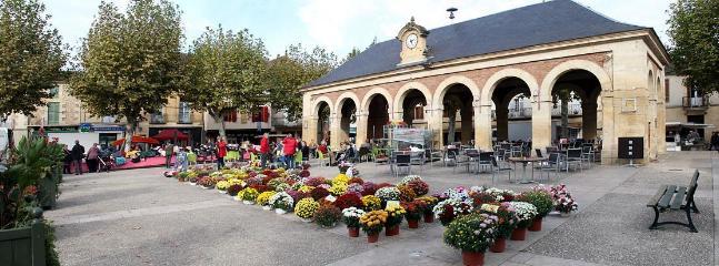Place Centrale de Lalinde