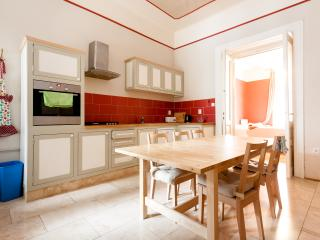 9 ppl, 3 bedroom, best for party and tourism, Budapest