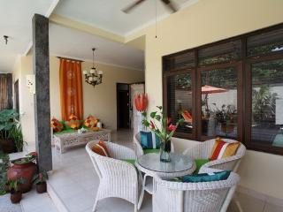 Mango Leaf Private Villa - Dining Room