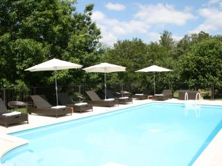 La Noix - gite with heated fenced pool and huge child-friendly garden