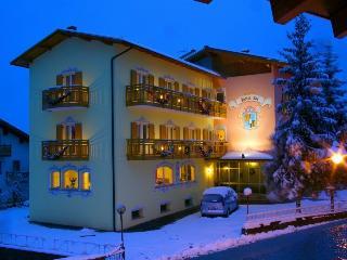 HOTEL FAI ,Fai d. Paganella,per famiglie e gruppi, Fai della Paganella