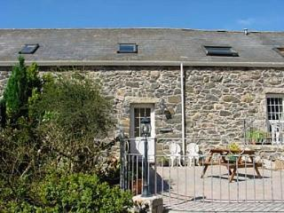 Llofft Llyn: large garden and beaches - 23341, Pwllheli