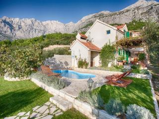 Unique Stone Villa For Couple Or Family- Makarska