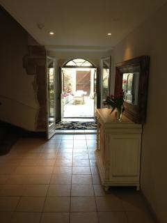 Maison Blanche Hallway