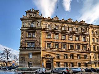 Riverside Ap. -quiet place next to historic centre, Praga