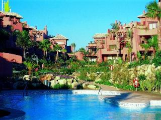 Marbella Beachside Apartment, Puerto Jose Banus