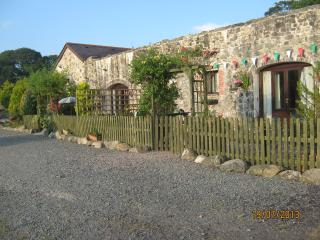 Ty Pen ; stone built 2 bedroom cottage, Llandwrog