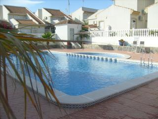 Detached house with lovely chill out solarium and heated communal pool