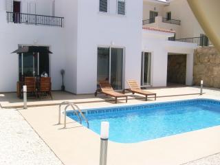 Villa Serafini, Tala