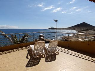 Duplex with wifi, terrace beachfront in El Medano