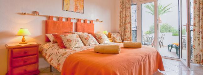 Master en-suite bedroom, super king size bed & terrace.