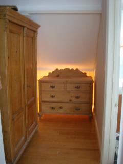 DRESSING AREA TOP BEDROOM