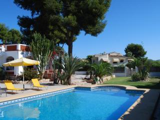 VILLA-MARIA, Beach Villa, with SEE VIEWS, Moraira