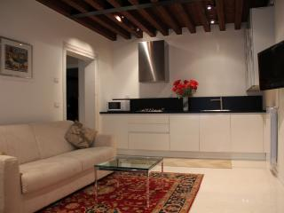 LEVANTE APARTMENT, Venice