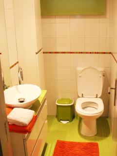 Bathroom nr 2 w/ living colours