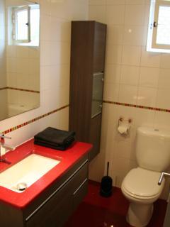 Bathroom nr 1 with bath tub and shower - simply elegant...