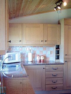 Fully fitted kitchen Dishwasher full hob oven fridge freezer