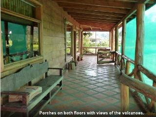 5 BR Eco Log cabin incredible views of Poas Volcan