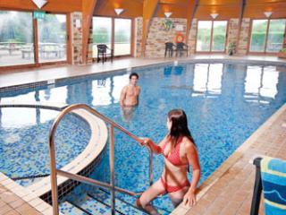 Lanivet Lodge, Waterside Holiday Resort, Cornwall, sleeps 8, swimming pool, gym