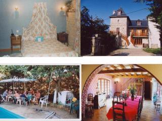 Aux Sabots du Causse blue room, Brive-la-Gaillarde